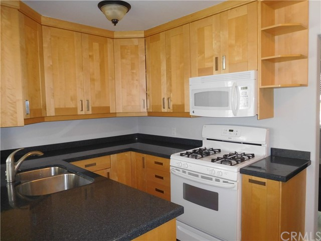 404 N Diana Place, Fullerton CA: http://media.crmls.org/medias/274181cd-ce28-46d1-bb04-302d45952381.jpg
