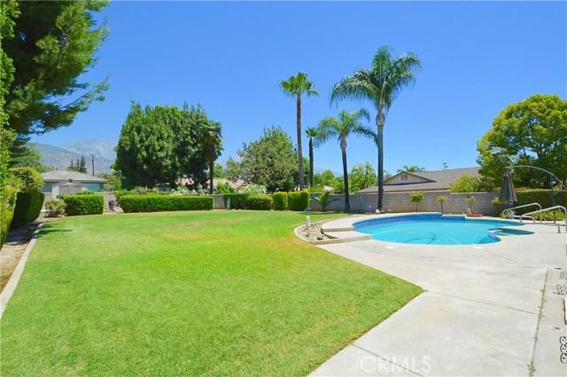 2062 N Palm Avenue, Upland CA: http://media.crmls.org/medias/2744dd0e-7a63-4f33-9b72-ef96262f2b91.jpg