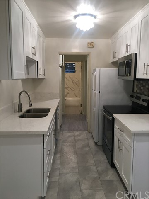 Own Your Own for Sale at 543 Cedar Avenue Unit 2d 543 Cedar Avenue Long Beach, California 90802 United States