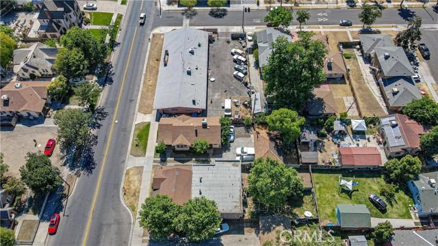 1625 E Olive Avenue, Fresno CA: http://media.crmls.org/medias/27704438-ba14-4630-b47f-515c4ca97503.jpg