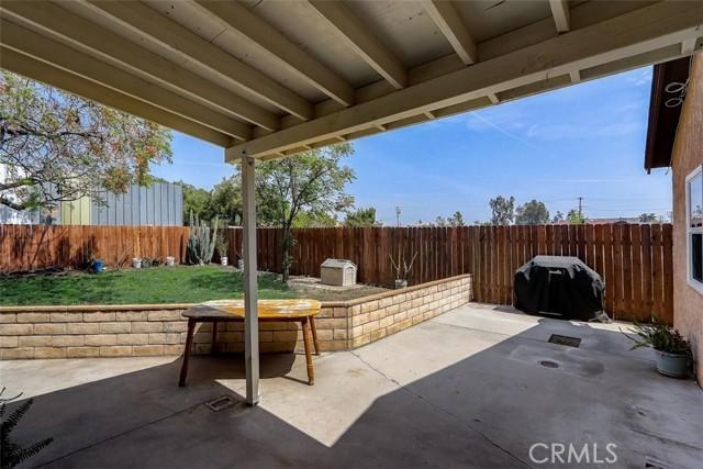 440 W Randall Avenue, Rialto CA: http://media.crmls.org/medias/277778cc-3c93-47b7-8abd-1dffa1f272bd.jpg