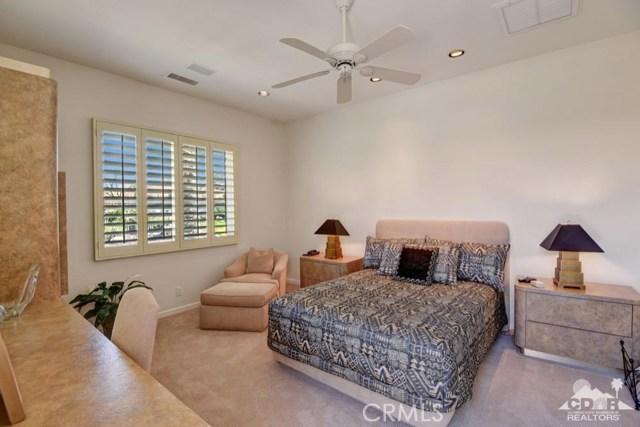 455 Indian Ridge Drive, Palm Desert CA: http://media.crmls.org/medias/27792135-6ae6-46a3-9758-539f310c380b.jpg