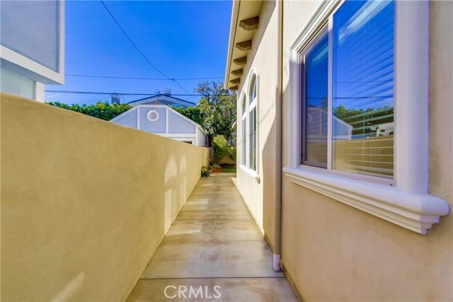 2109 Harkness Street, Manhattan Beach CA: http://media.crmls.org/medias/277a917a-c6a0-4a14-b5ee-7320c636e421.jpg