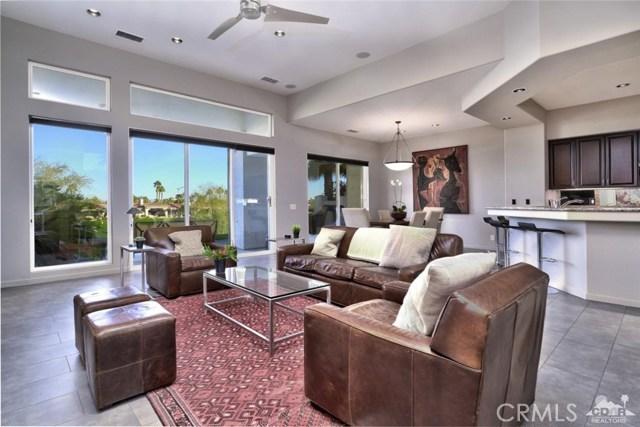 670 Mesa Grande Drive, Palm Desert CA: http://media.crmls.org/medias/277b23f6-3d7b-4647-8d5c-45f0afbf943a.jpg