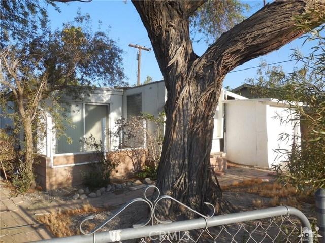 73241 Pine Valley Drive, Thousand Palms CA: http://media.crmls.org/medias/27805825-bd80-4f85-b6bb-d39705eb4964.jpg