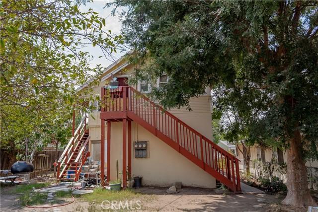 1025 S Victoria Avenue, Corona CA: http://media.crmls.org/medias/278edfc5-916e-46bc-af9d-ad78df78bc99.jpg