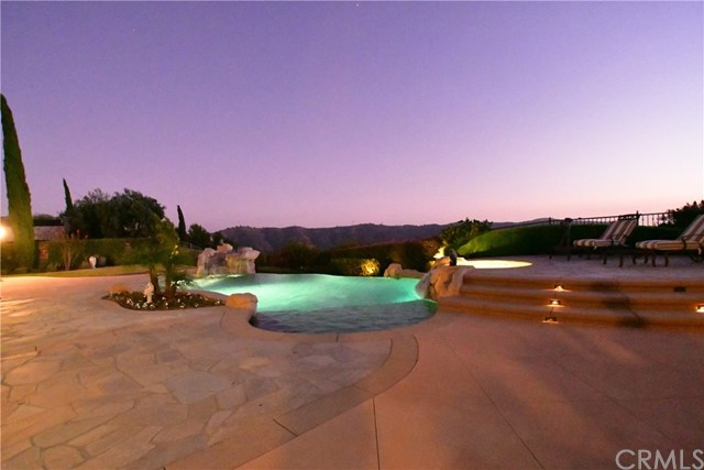 16762 Catena Drive, Chino Hills CA: http://media.crmls.org/medias/279fc141-4062-4531-881c-7448a95eb483.jpg