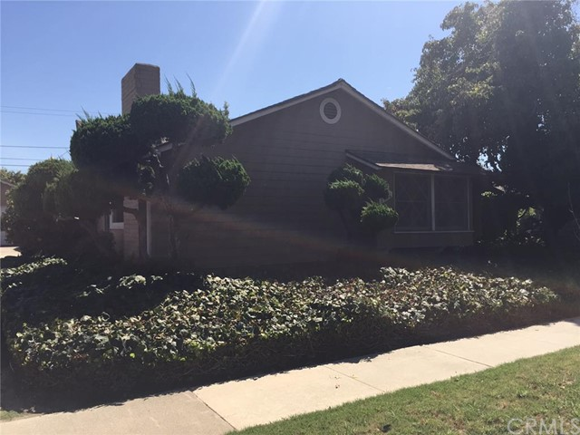 Single Family Home for Sale at 3322 Rowena St Los Alamitos, California 90720 United States