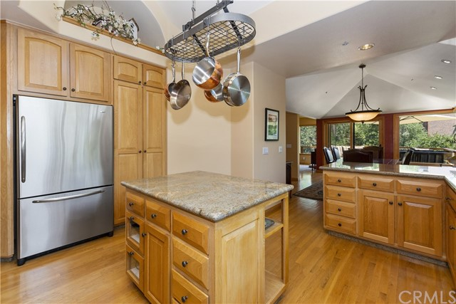 27537 W Shore Road, Lake Arrowhead CA: http://media.crmls.org/medias/27b01942-0937-476d-92c1-6ae8365a176e.jpg