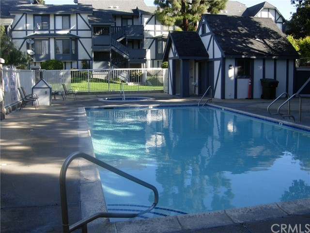 3022 W Cheryllyn Ln, Anaheim, CA 92804 Photo 5