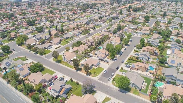 1145 Wildflower Street, Rialto CA: http://media.crmls.org/medias/27d23004-bb12-4e2b-b8ae-8bae2497cfa5.jpg