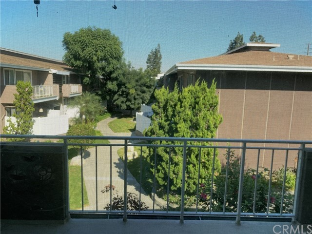 1745 Maple Avenue, Torrance CA: http://media.crmls.org/medias/27e6165a-ac0c-4689-aea7-c6a85d3e375c.jpg