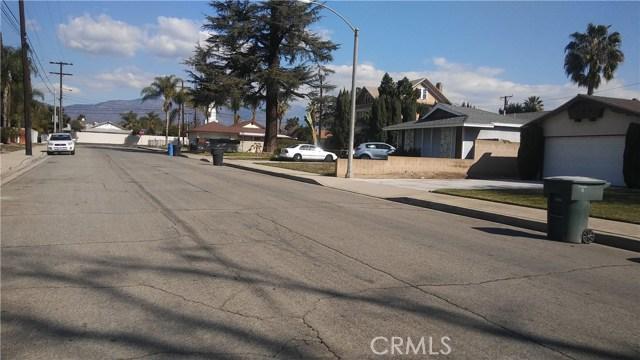 1592 Washington Avenue, Pomona CA: http://media.crmls.org/medias/27e7cee4-ae50-41ba-be57-e0516c2af2c0.jpg