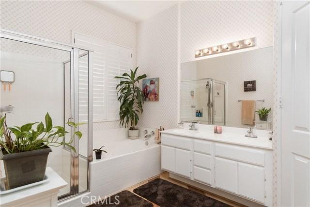 846 W Cromwell Street, Rialto CA: http://media.crmls.org/medias/27ecaffd-8f8d-41de-9c1a-68625d0c8c1f.jpg