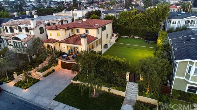 Photo of 2104 Palm Avenue, Manhattan Beach, CA 90266