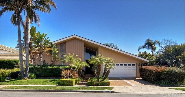 16992  Saybrook Lane, Huntington Harbor, California