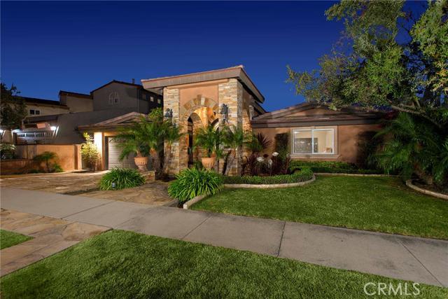Single Family Home for Sale at 3292 Gilbert Huntington Beach, California 92649 United States