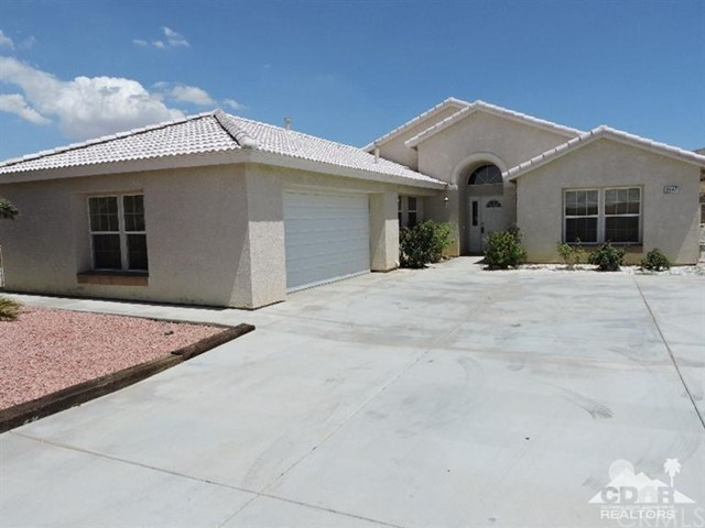 8587 Golden Meadow Drive, Yucca Valley CA 92284