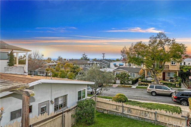 Single Family for Sale at 716 Orchid Avenue Corona Del Mar, California 92625 United States