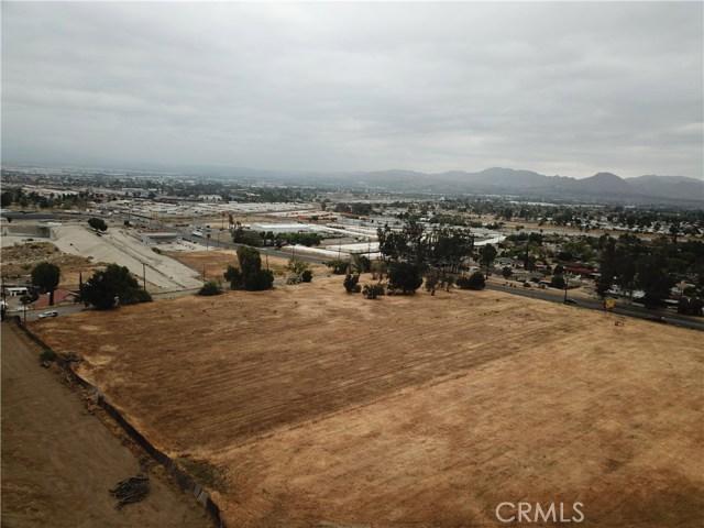 2226 Foothill Boulevard, San Bernardino CA: http://media.crmls.org/medias/280691fe-dbb2-4963-a681-fc692b469a93.jpg