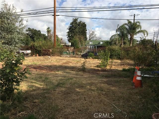 8947 Noble Avenue, North Hills CA: http://media.crmls.org/medias/280a5ff0-a35a-43a9-9622-462af5afdd2f.jpg