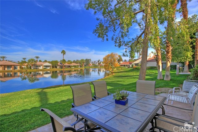 466 Sunningdale Drive Rancho Mirage, CA 92270 is listed for sale as MLS Listing 217000480DA