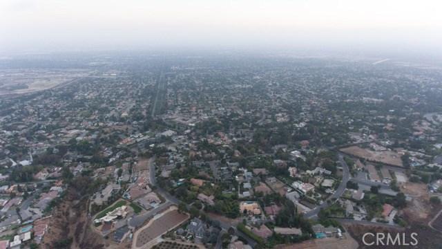 31 W 26th Street, Upland CA: http://media.crmls.org/medias/280e8d19-e98b-4e4e-b7b5-13d19db2df9a.jpg