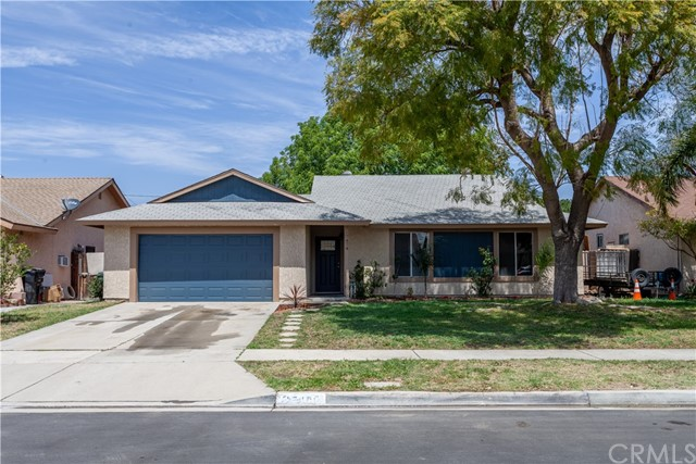 Detail Gallery Image 1 of 22 For 17474 Seville Ct, Fontana,  CA 92335 - 3 Beds | 2 Baths