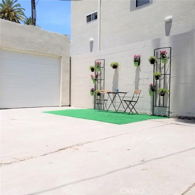 4417 W 29th Street, Los Angeles CA: http://media.crmls.org/medias/2812b99b-db95-49a7-96c1-34564da7edf5.jpg