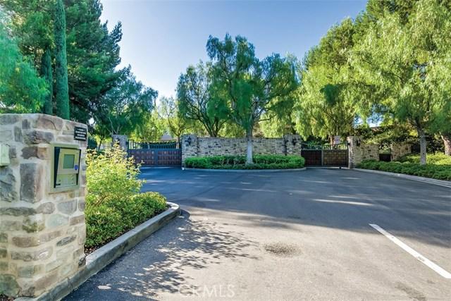 40 Gardenpath, Irvine CA: http://media.crmls.org/medias/28152597-ee01-4a89-8e6f-e2d87cab0928.jpg