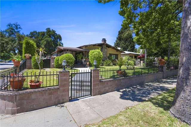 Single Family Home for Sale at 489 Michigan Avenue N Pasadena, California 91106 United States