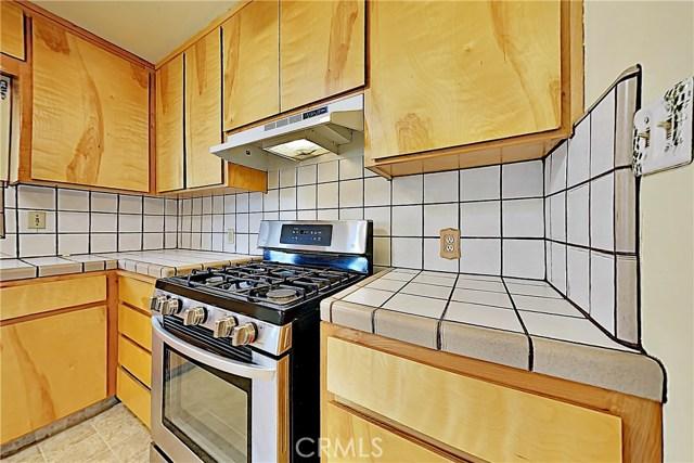 1405 S Nevada Avenue, Los Banos CA: http://media.crmls.org/medias/281f6d13-b705-4b18-880a-fbfb1b580e40.jpg