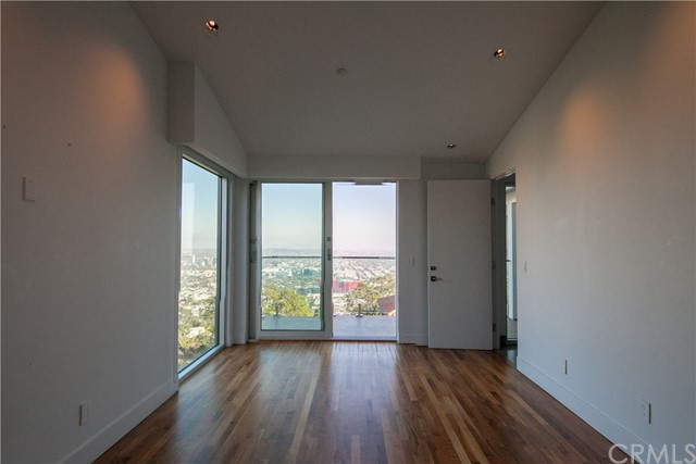 1500 Viewsite Ter, Los Angeles, CA 90069 Photo 30
