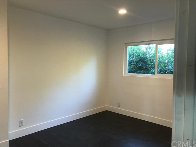 1321 W 36th Place, Los Angeles CA: http://media.crmls.org/medias/283ab007-2467-4063-b0df-51d0a103c71b.jpg