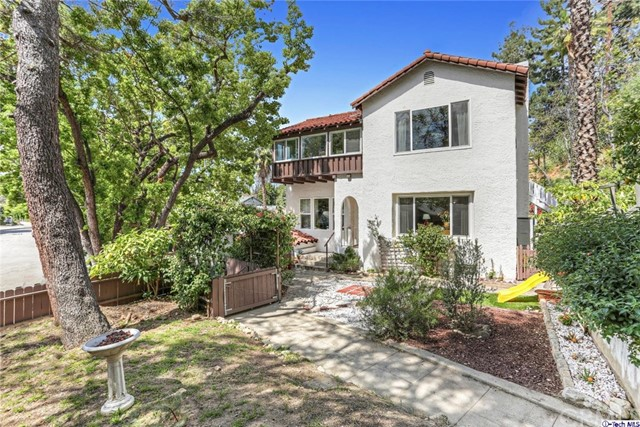 Single Family Home for Sale at 201 Avenue 63 S Los Angeles, California 90042 United States