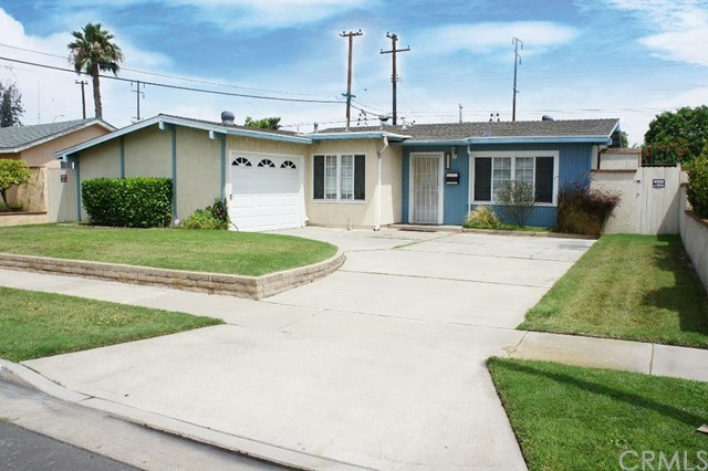 Single Family Home for Sale at 8231 Peters St Midway City, California 92655 United States