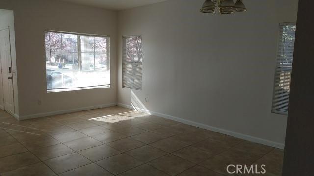 14621 Nelson Avenue, Victorville CA: http://media.crmls.org/medias/28570640-5877-4560-a38e-0a5c0179d993.jpg