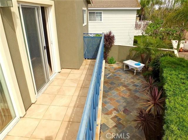 2930 E 20th Street, Signal Hill CA: http://media.crmls.org/medias/285a9945-93c4-42fe-bf55-5bfe0b3fb9d1.jpg
