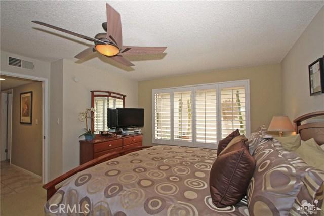 140 Avenida Las Palmas, Rancho Mirage CA: http://media.crmls.org/medias/2867fce5-65e5-47a2-bf91-51abed18c149.jpg