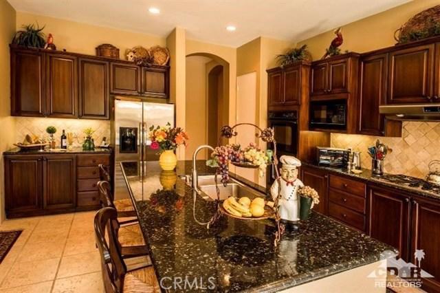 87 Avenida Lirio Blanco, Rancho Mirage CA: http://media.crmls.org/medias/286bcbd2-0ae7-4057-9150-cf311b67a910.jpg