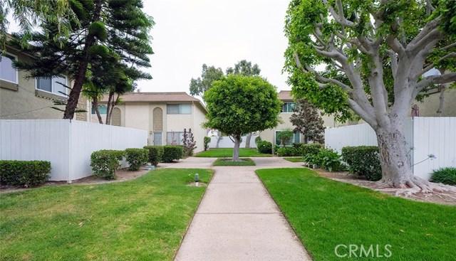 19774 Bromley Lane, Huntington Beach CA: http://media.crmls.org/medias/287f045e-2942-400d-8d5e-45a21dee838e.jpg