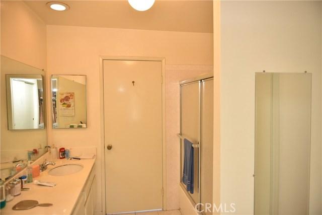 230 N Sierra Vista Street, Monterey Park CA: http://media.crmls.org/medias/2884b40d-441a-489f-9163-ef0f4784b35e.jpg