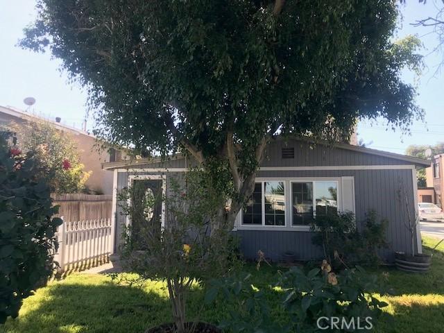 7842 Speer Drive, Huntington Beach CA: http://media.crmls.org/medias/2889a8a4-cf1c-433d-bb13-79910108bbe7.jpg