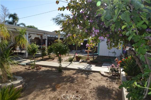 25474 Gentian Avenue, Moreno Valley CA: http://media.crmls.org/medias/288e8f94-8fbd-403b-90ee-3f5759aa2f8e.jpg