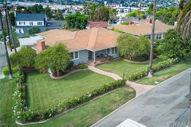128 via los miradores, Redondo Beach CA: http://media.crmls.org/medias/28918da0-88a5-44d2-a340-02038843866f.jpg