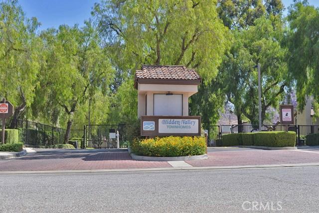 5 Wildflower Place, Pomona CA: http://media.crmls.org/medias/2894f527-8d86-4544-aa86-42d7196823e3.jpg