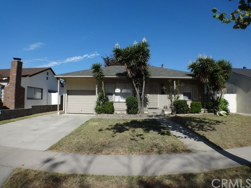 Single Family Home for Rent at 5609 Castana Avenue Lakewood, California 90712 United States