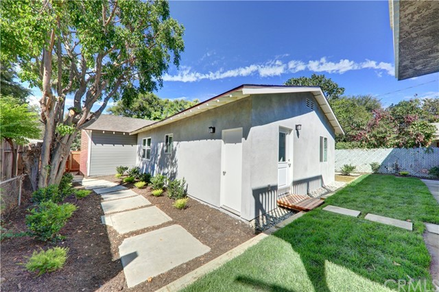 7954 Washington Avenue, Whittier CA: http://media.crmls.org/medias/289e70a4-ab2f-49af-8664-5819260953a3.jpg