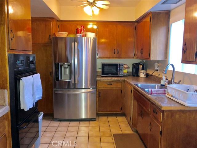 3232 Lewis Avenue, Signal Hill CA: http://media.crmls.org/medias/28bc2a8b-2bbd-4af3-89bd-b8c0abe0226c.jpg
