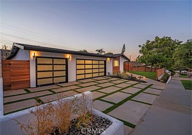2305 Redlands Drive, Newport Beach, CA 92660
